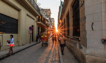 Photo Friday: Sunset in Havana Vieja